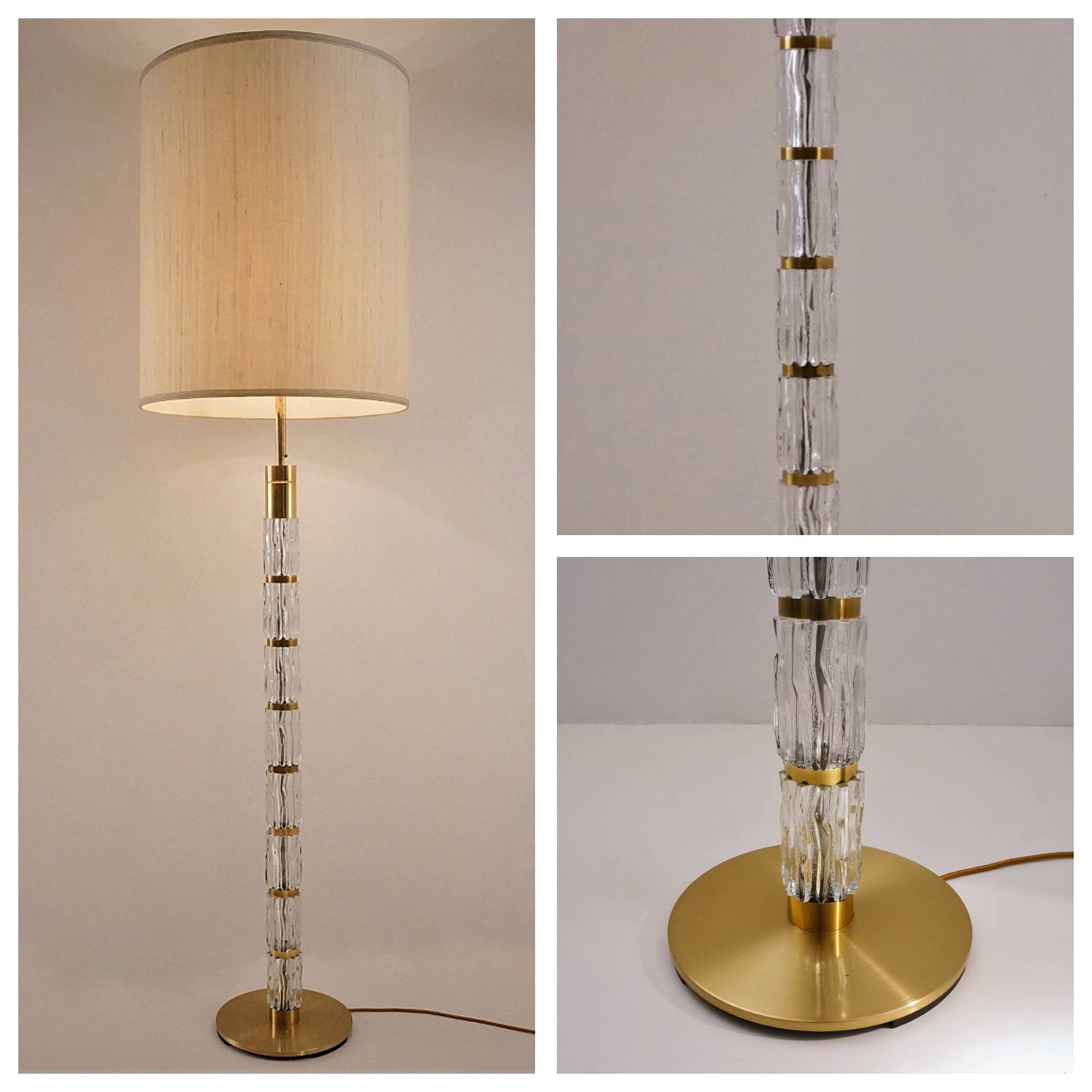 Vintage table lamp in glass and brass