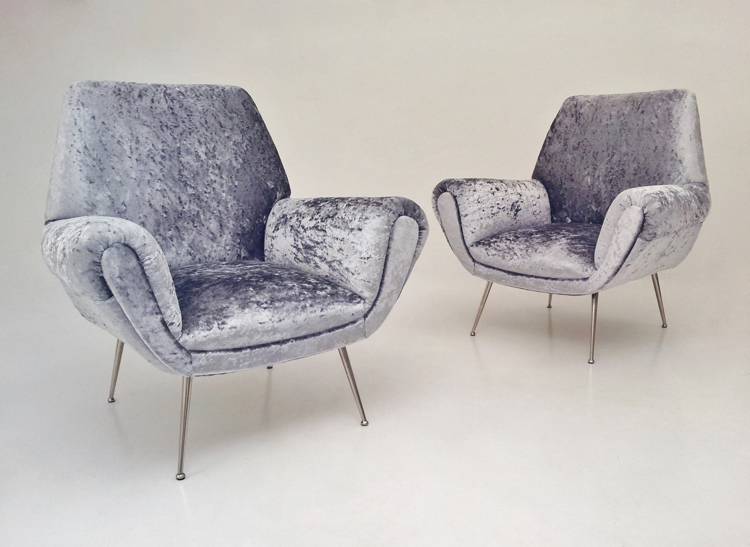 Saporiti Vintage Pair Armchairs Sculptural Reupholstered In Silver/grey  Velvet, 1950`s Ca, Italian In Vintage Armchairs From Roomscape